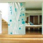 Vinilo decorativo floral ideal para separar espacios