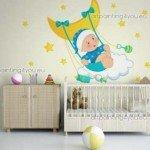 Una hamaca muy bonita que emana felicidad para el bebé