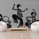 Interesante vinilo decorativo tribal ideal para la sala de estar
