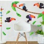 Hermoso diseño de la jungla con tucanes coloridos